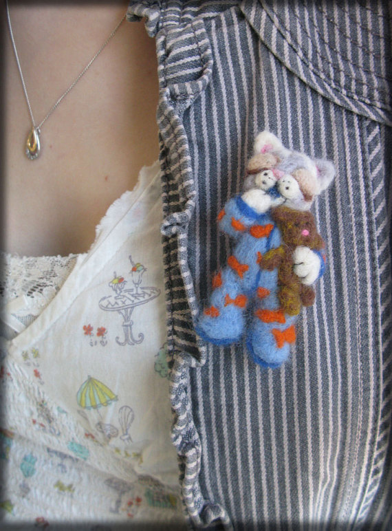 The Cat's Pyjamas felt brooch